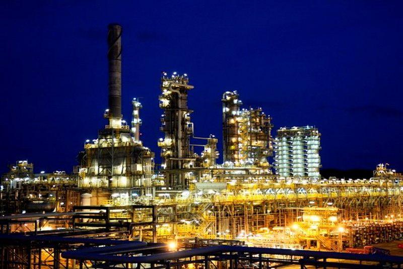 Nhà máy lọc dầu Dung Quất Quảng Ngãi