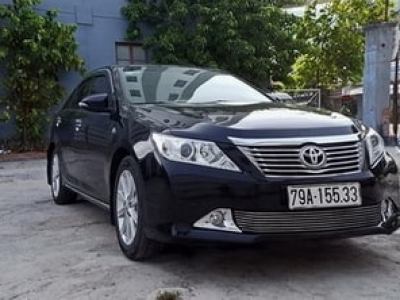 Xe du lịch 5 chỗ Toyota Camry