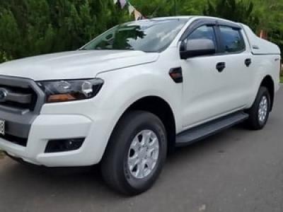 【Car rental Ford Ranger 5 seats】